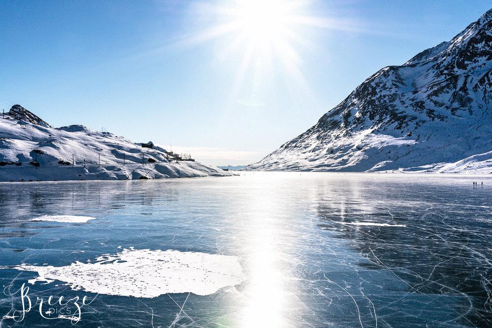 Shining_White_Lake.jpg