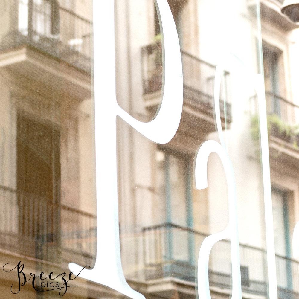 Barcelona_Balconies_Text.jpg