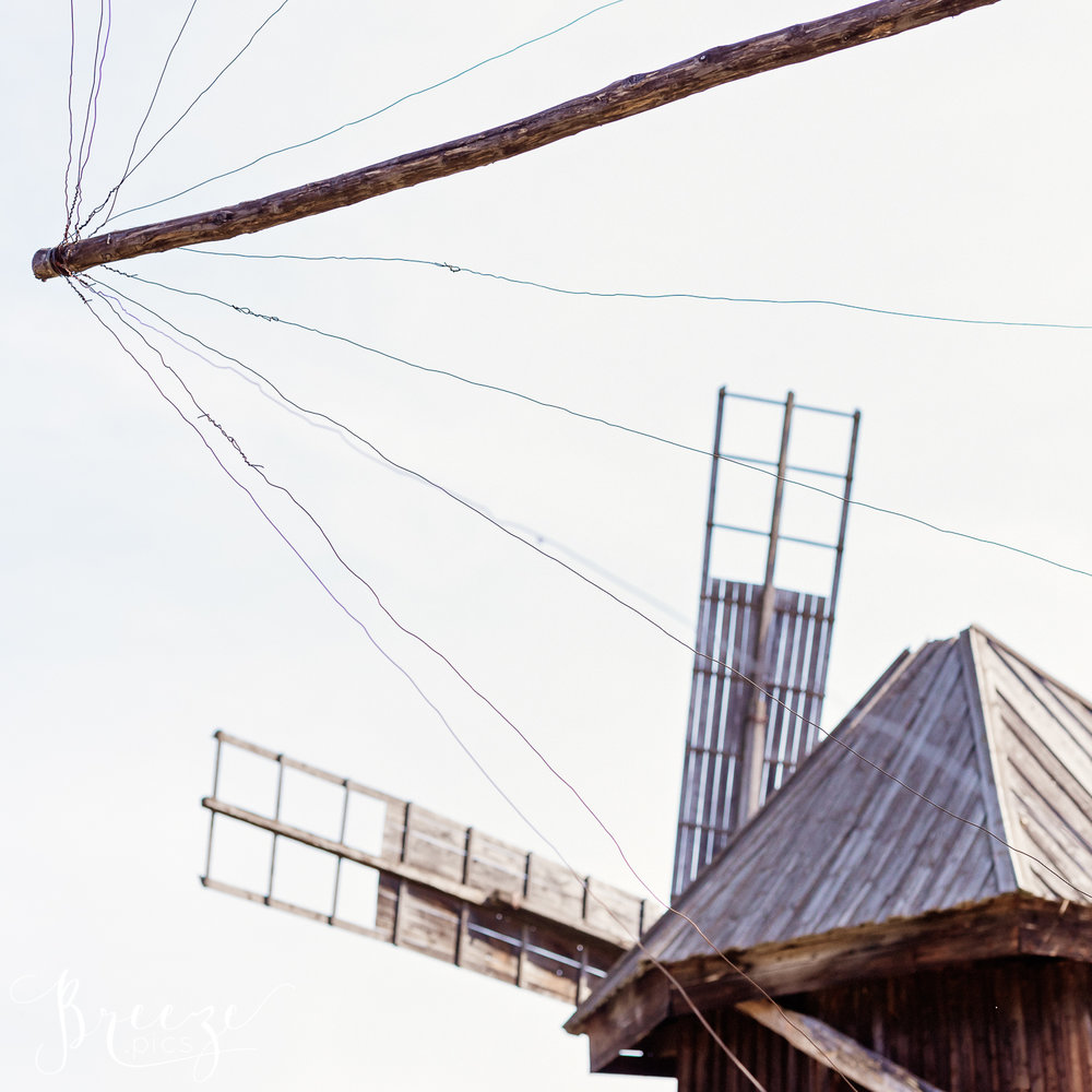 Timber_Windmill_Sails.jpg