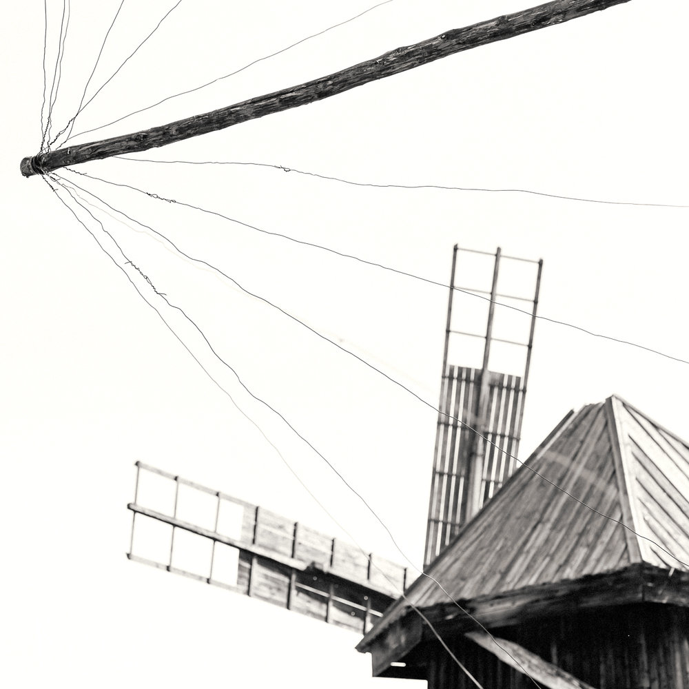 BW_Windmill_timber_sails.jpg