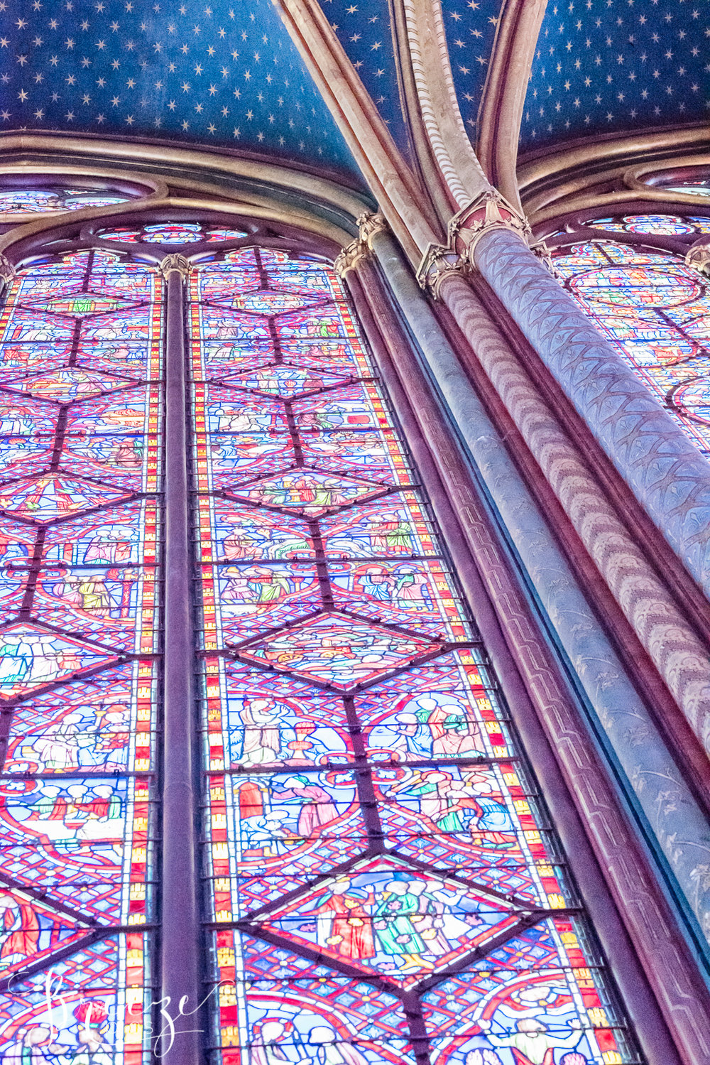 Sainte_Chapelle_window_columns.jpg