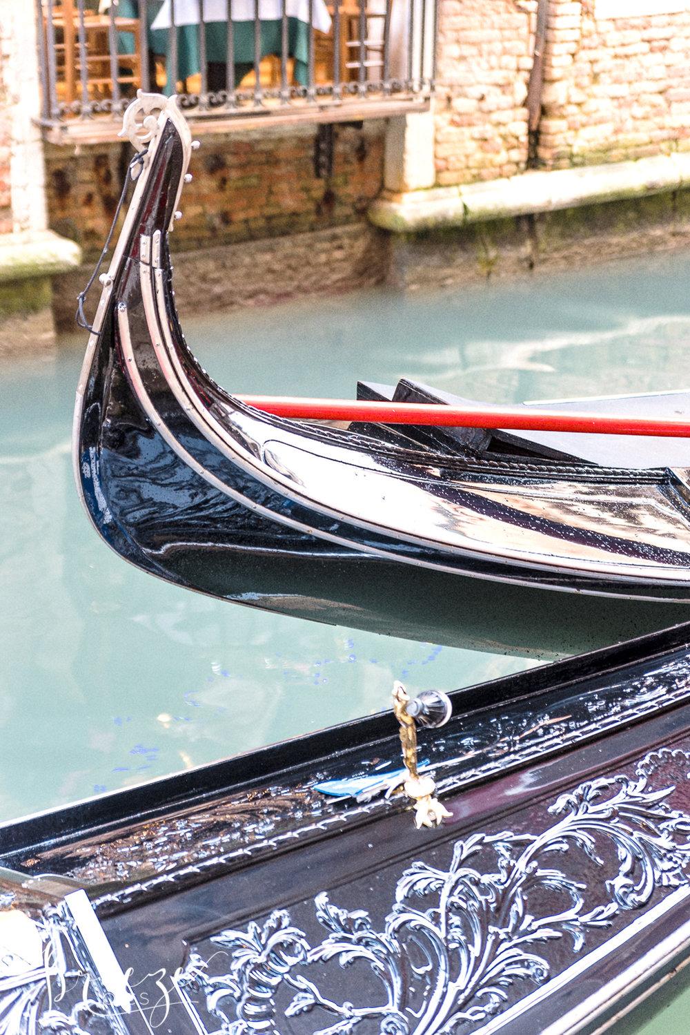 Venice_Details_Gondolas.jpg