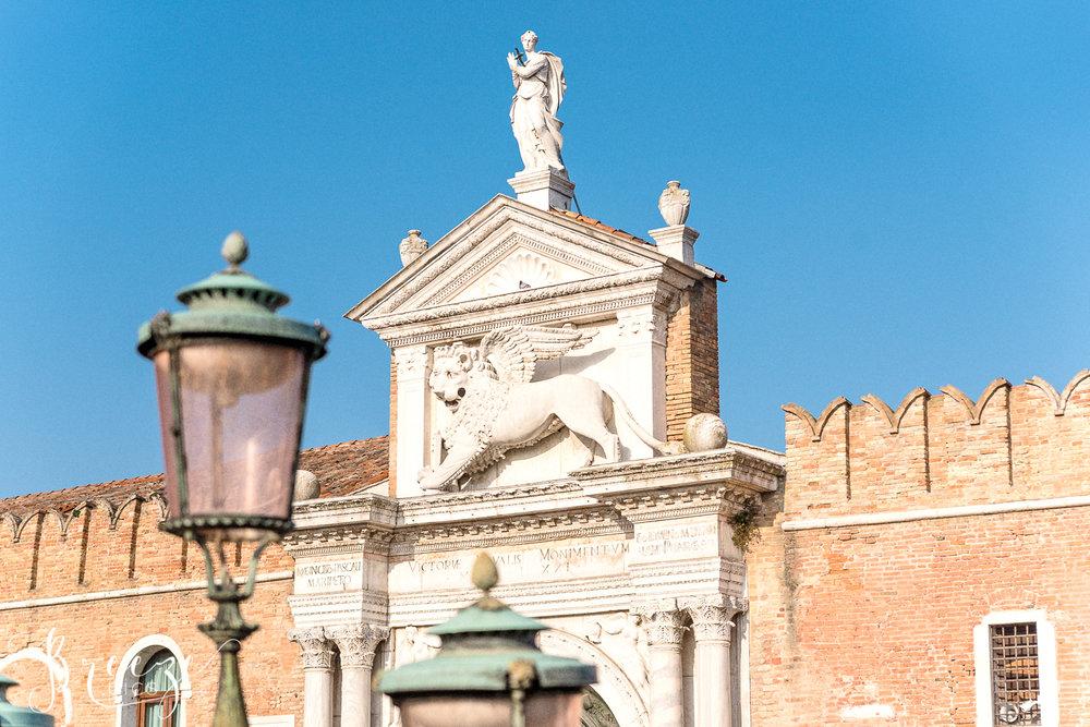 Venice_Details_Lion_Lamp.jpg