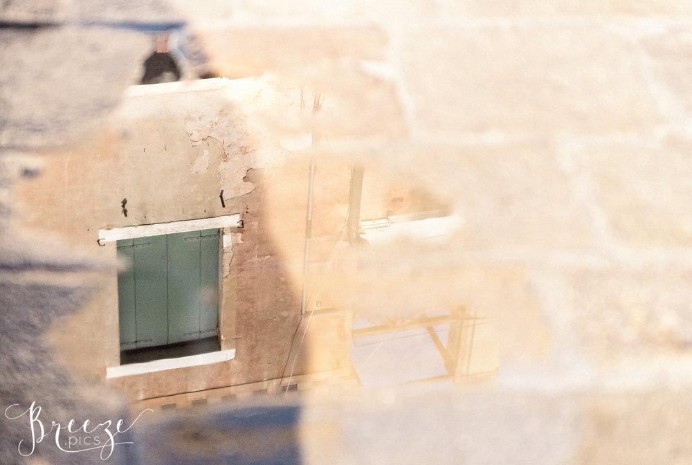 Venice_Details_Canal_Reflection.jpg