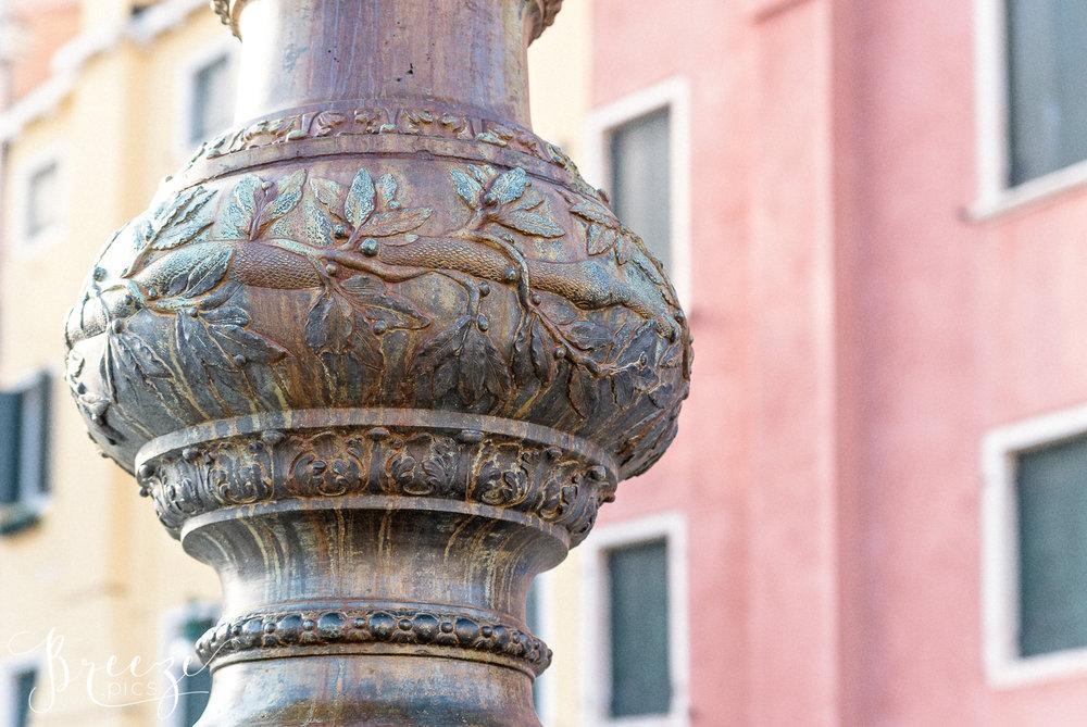 Venice_Details_Lamp_Decoration.jpg