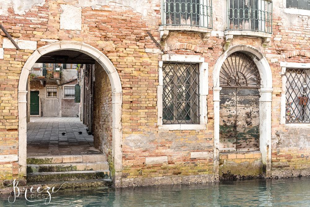 Venice_Details_Ironwork.jpg