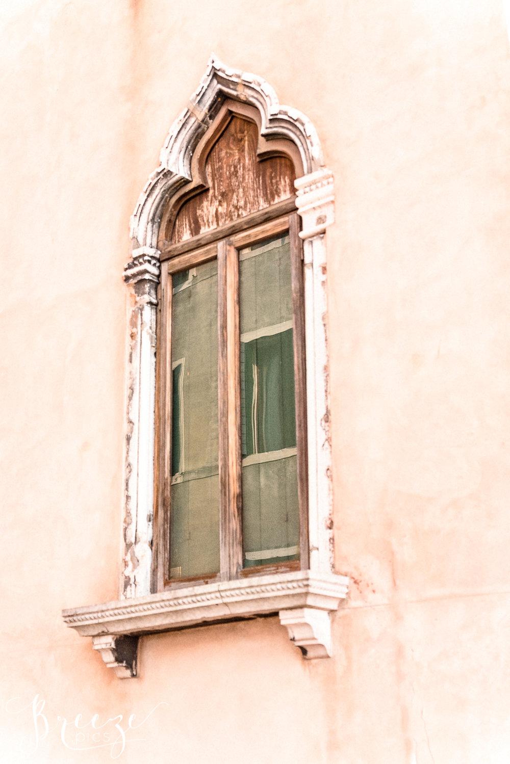 Venice_Pink_Wall_Window.jpg