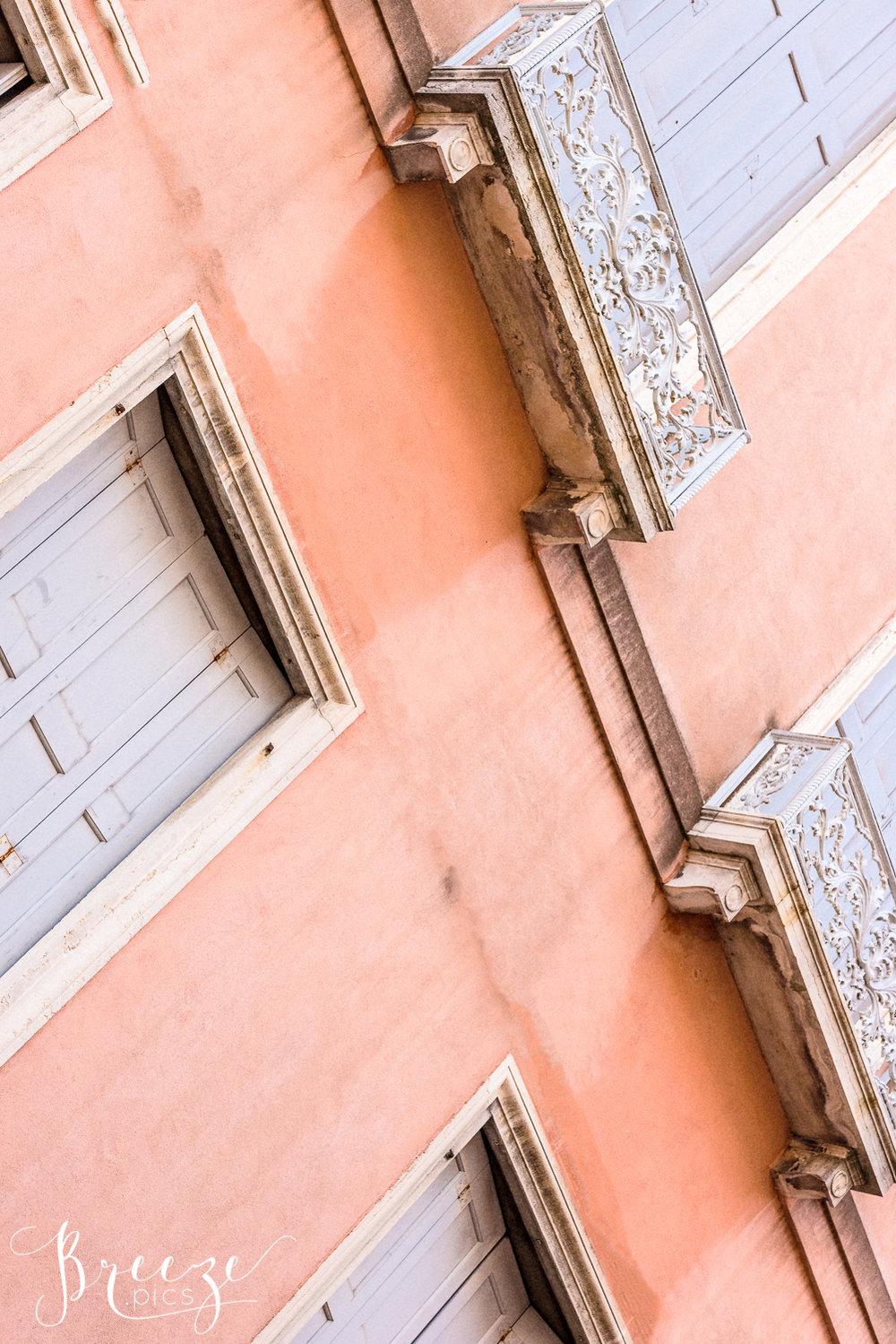 Venice_Pink_Wall_Grey_Shutters2.jpg