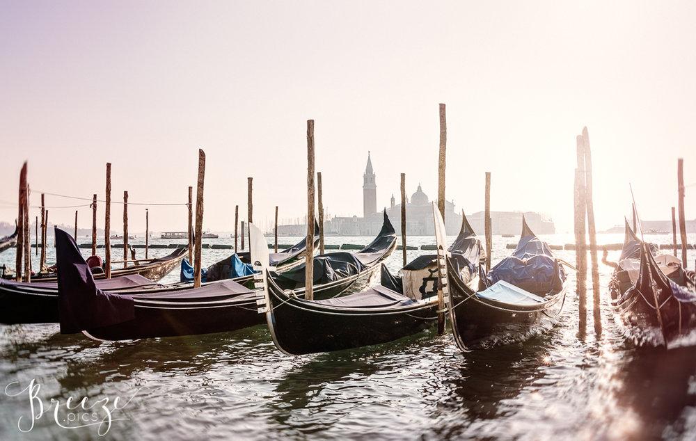 Venice_Canal_Winter_Light2.jpg