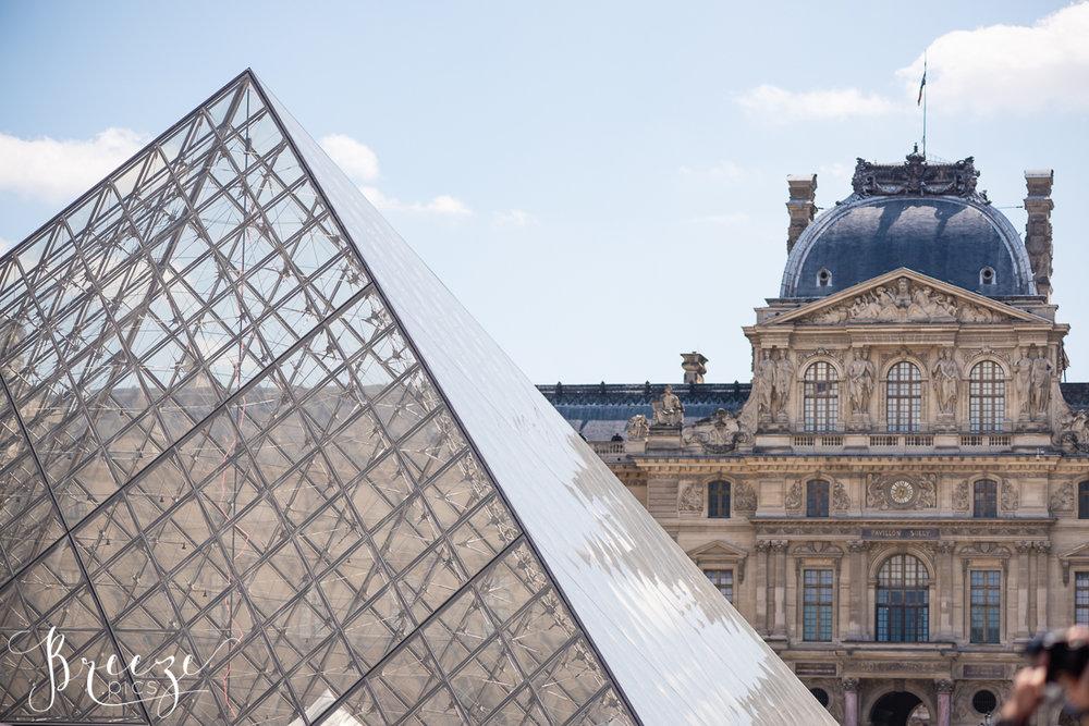 Louvre_Pyramid_1.jpg