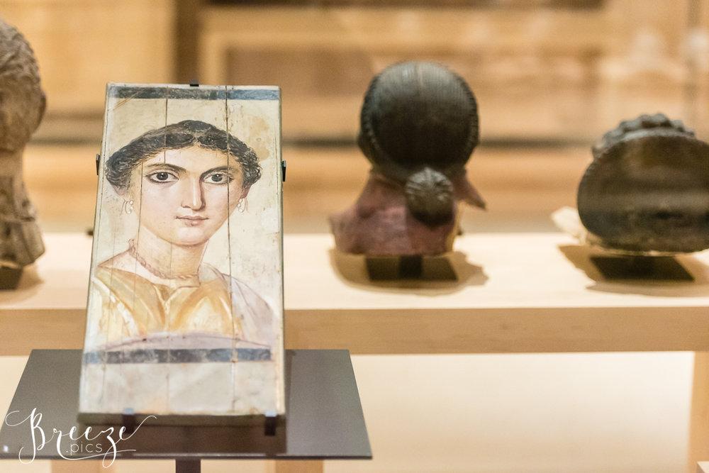 Roman_artifact_Louvre.jpg