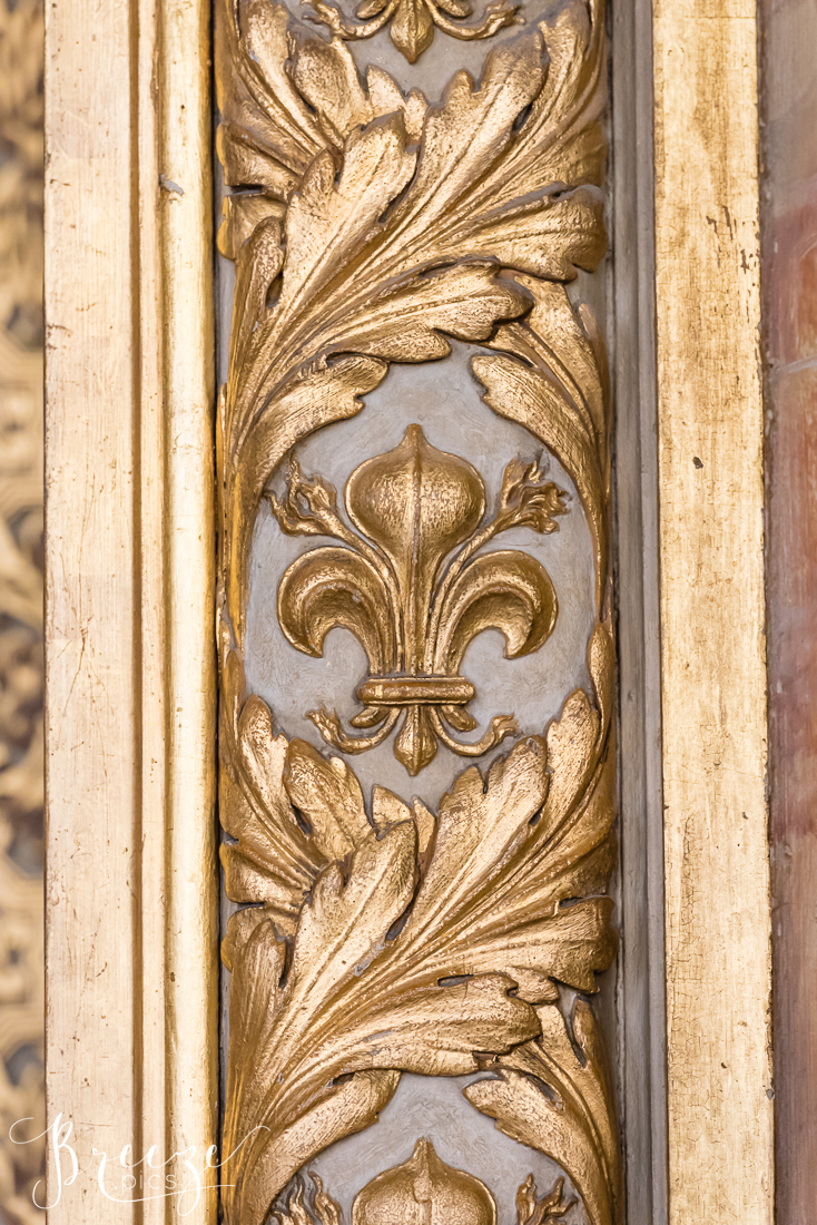 Gilded_carved_detail_Louvre.jpg