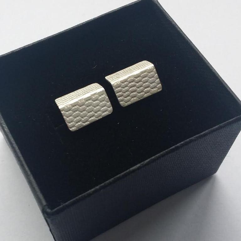 DLG-046 108 EarringsFoldTextured studs 2.jpg