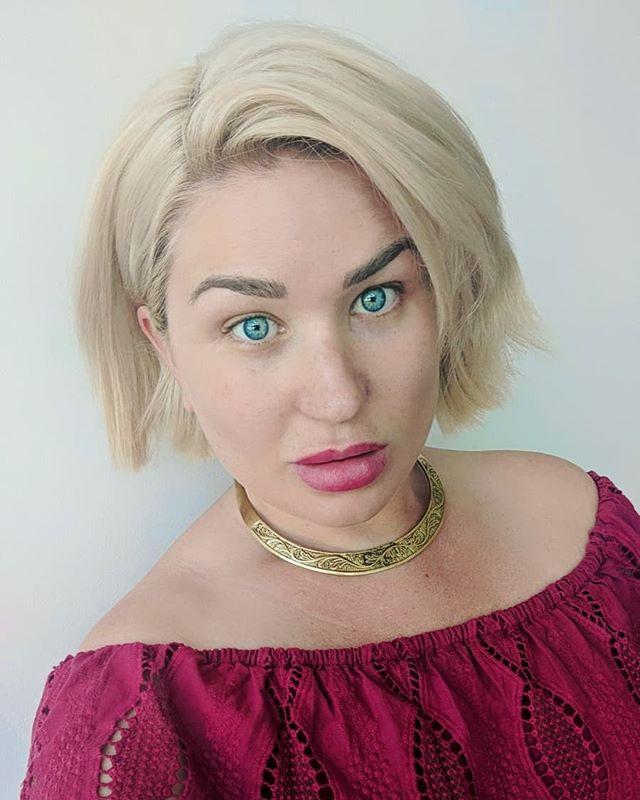 I call this mugshot; 'transport Viking woman to 2019 and make her look modern' 😂 #viking #moderndayviking #torc #celtic #blueeyes #blonde #bobhaircut #texturedhair #platinumblonde #shorthairgirls