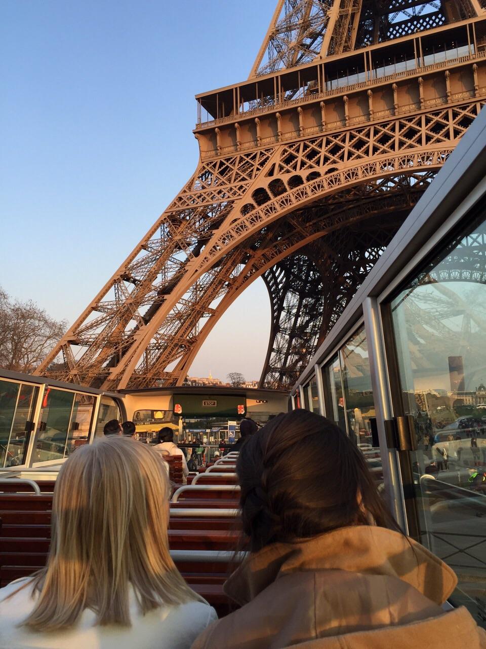 Bus top Eiffel Tower JPG
