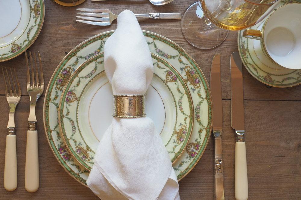 Classic dinner setting JPG
