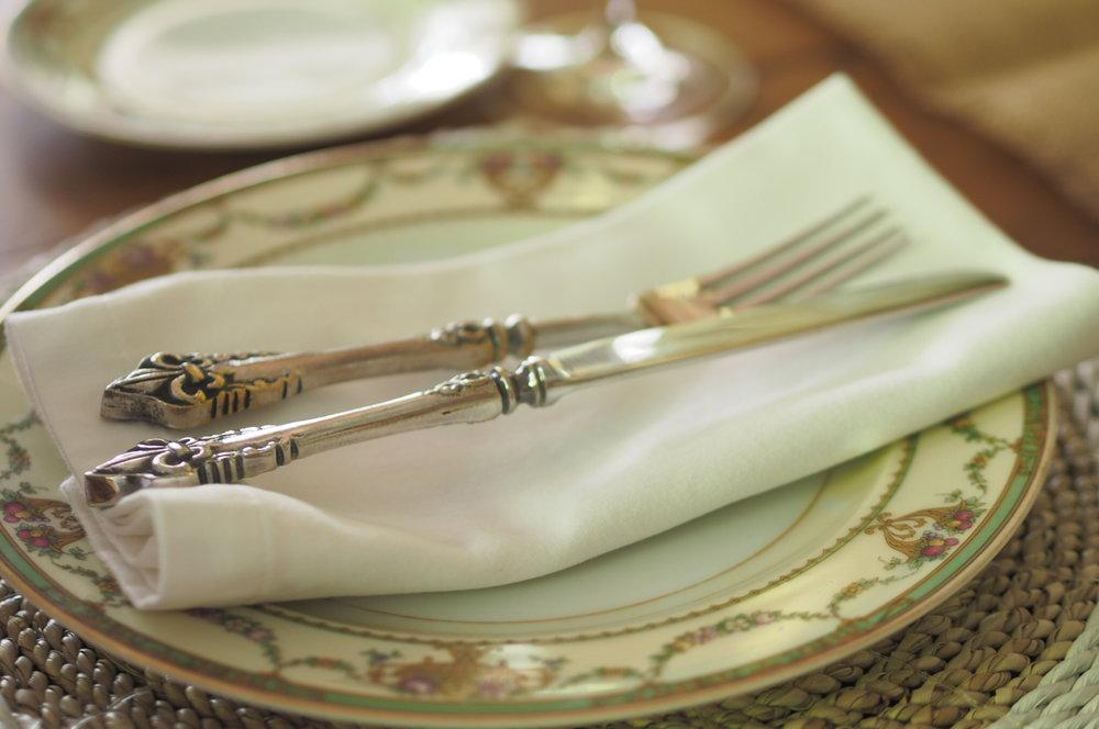 classic dinner style.JPG