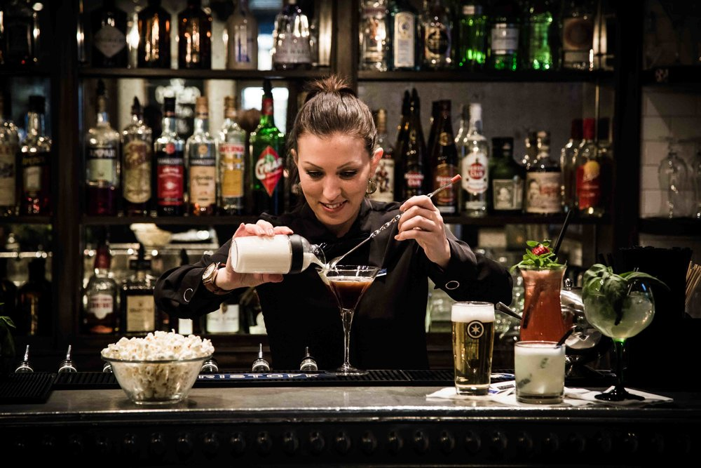 rosalys-restaurant-bar-zuerich-barkeeper-serena
