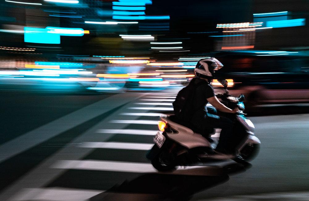 amaris-woo-photography-taipei-taiwan-scooter