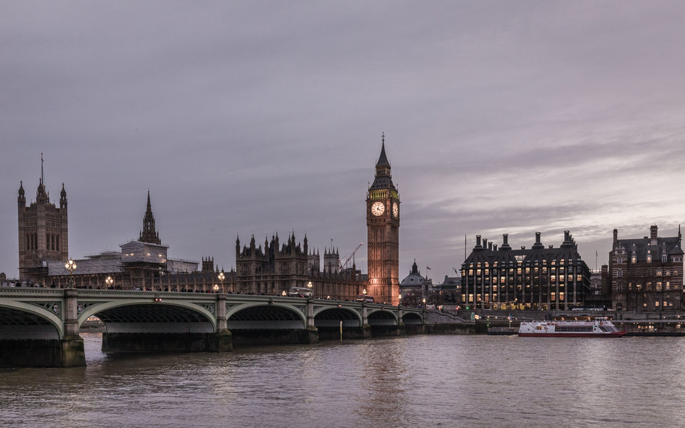 Big Ben takes centre stage as the sun disappears below Londons' horizons