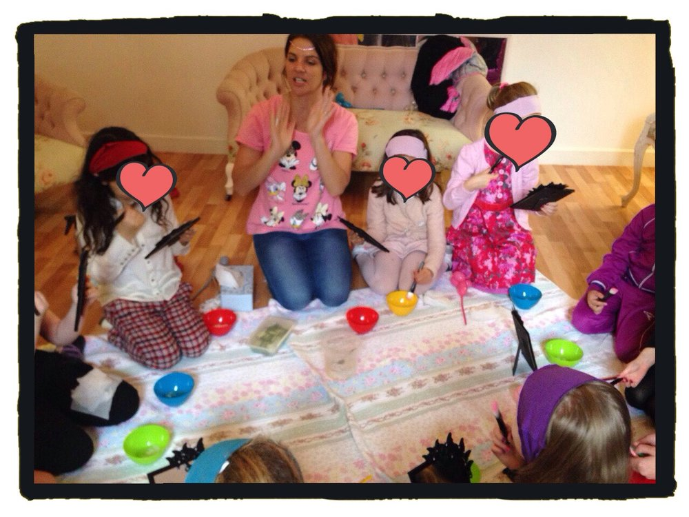 girls pamper party at home.JPEG