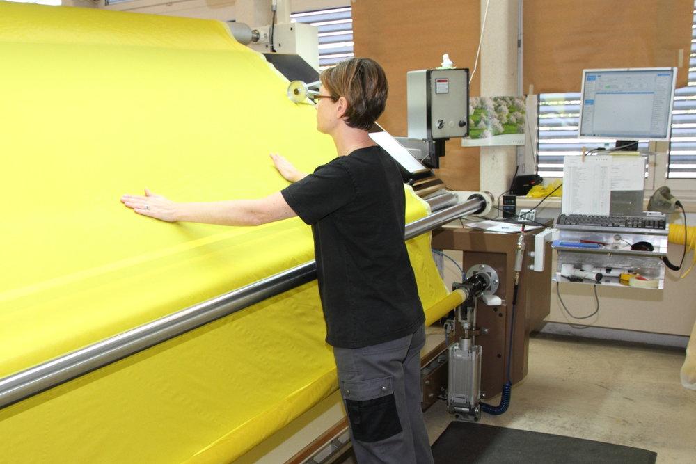 LOOMDATA Warenschau von textilen Stücken