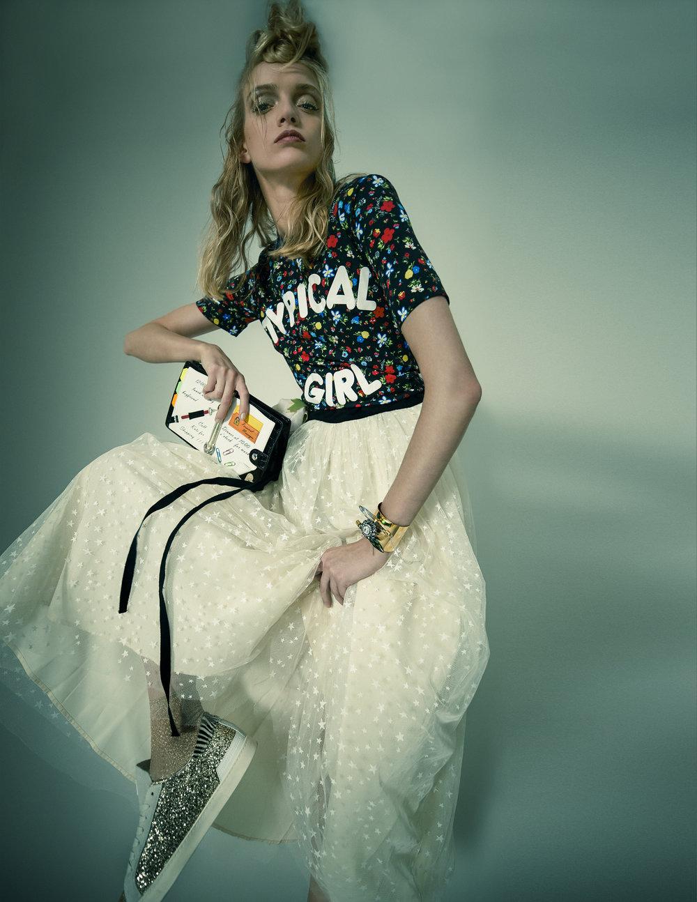 Dress – ValentinoT-Shirt – Moschino Shoes – D.A.T.E. Bag – BraccialiniJewellery – Sciumé