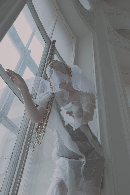 Grey silk dress - Silk Highway @silk__highway  White dress - Hypnographic  Tulle accessory - Silk Highway  Gold head accessory - Silk Highway  Gold accessory - MaxMara  Stockings - calzedonia