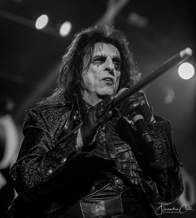 Photographed the legendary rockstar @AliceCooper at the SSE Hydro earlier this week. . . . Band: @HollywoodVampires . . . #MusicPhotographer #ConcertPhotographer #AliceCooper #HollywoodVampires #SSEHydro