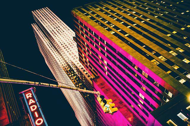 🌃👀 #photography #architecture #night #nightphotography #architecturephotography  #city #skyscraper  #sigma35mmart #landscape #landscapephotography #nikon #instapic #picoftheday #instaphoto #travel #travelphotographyoftheday  #travelphotography  #instapost #nikonowners #nikonuk #newyorkcity