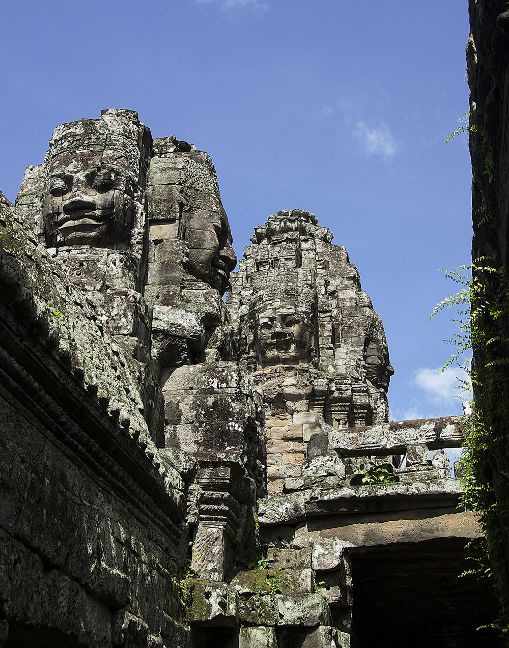Spencer_Drake_Heads_of_Angkor_Photography_Angkor_Wat_ruins_cambodia_temple_travel_architecture.jpg