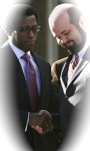 Wesley Snipes thanks his attorney, Robert Barnes, following his acquittal.