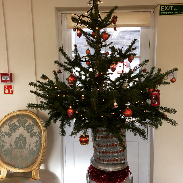 The Old Calf Barn is getting festive 🎅🏽🎄❄️ #christmas #christmastree #brink #festive #work