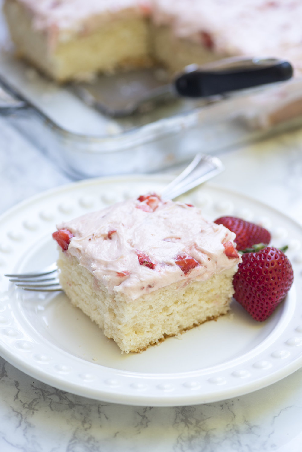 7UP STRAWBERRY CAKE
