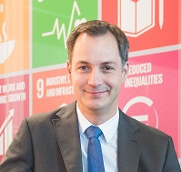 Alexander De Croo, Deputy Prime Minister (Belgium)   Alexander De Croo graduated in Business Engineering and completed an MBA at Kellogg School of Management (Northwestern University, Chicago, IL). He was political leader of the Liberal Democrats in Flanders (Belgium). Currently, he is Deputy Prime Minister and Minister of Development Cooperation, Digital Agenda and Telecom. Before, he worked as a strategy consultant at The Boston Consulting Group and founded his own company in the field ofintellectual property rights. Alexander De Croo is a staunch promotor of women's rights and organised the first She Decides-conference in Brussels (March, 2017). He sits on the World Economic Forum's Global Agenda Council on Europe and was selected Young Global Leader in 2015.