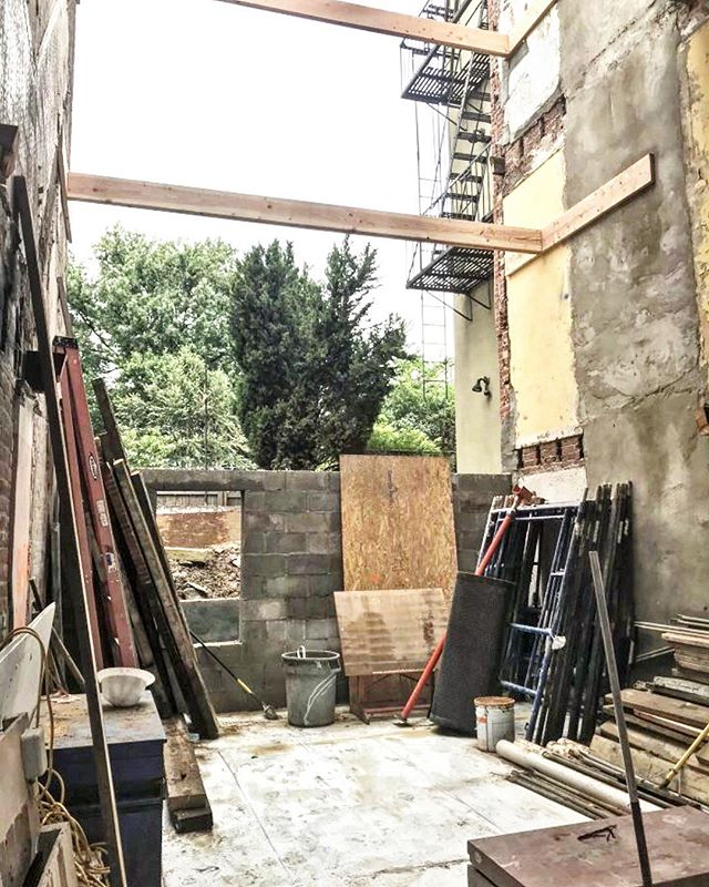 Exciting progress at our brownstone project! We removed the floors to make room for some new framing and are scheming up ways to reuse the ancient old beams (#reclaimed shelves in the den??) 🤩