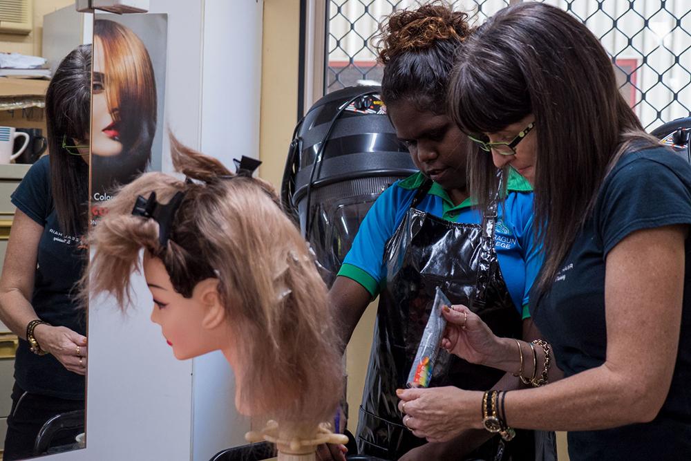 HairdressColorStaffHelp.jpg