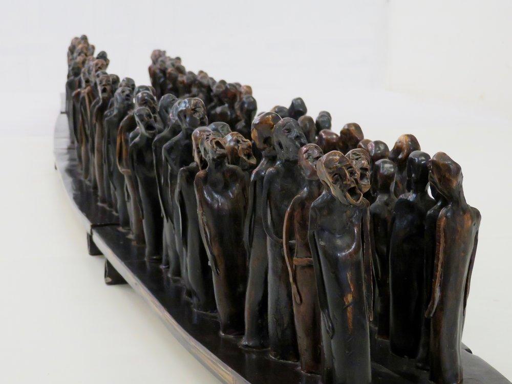 Marcheurs -espoir- 1997, Céramique, 244 x 40 x 21 cm.
