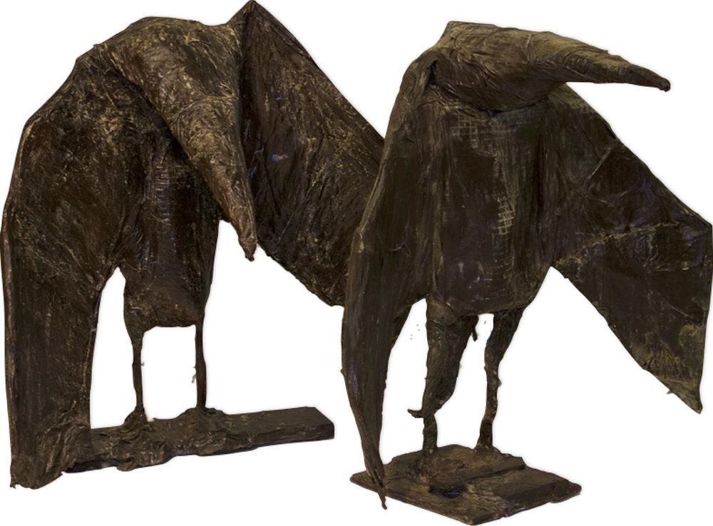 Couple d'oiseaux, 2011. Métal, powertex, 94 x 90 x 62 cm. et 96 x 110 x 62 cm.