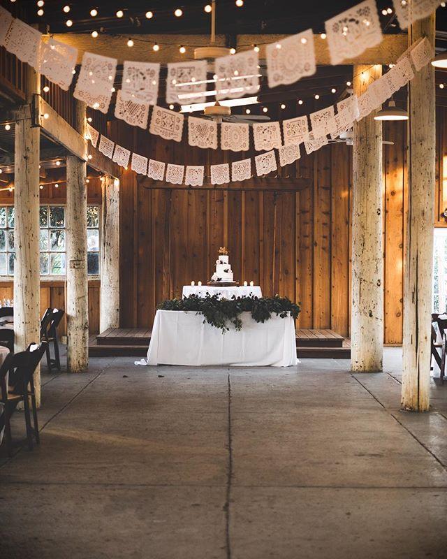 Who else loves wedding cake?! 🙈🙋🏻♂️