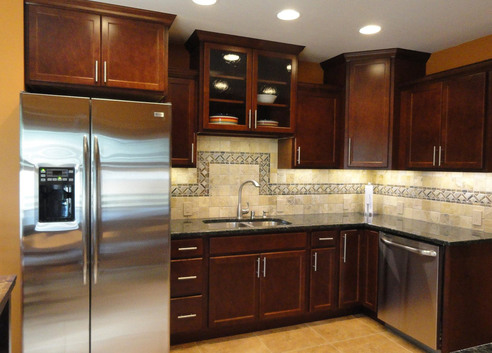 kitchen cabinets tile back splash tile floor milwaukee Brookfield Fox Piont New Berlin  (2).jpg