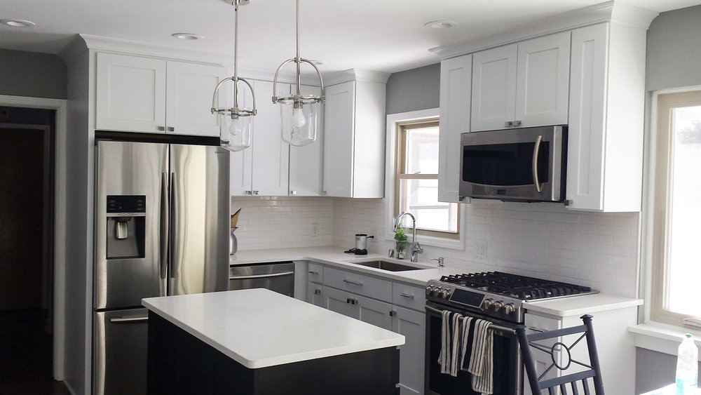 kitchen whitegranite_web.jpg