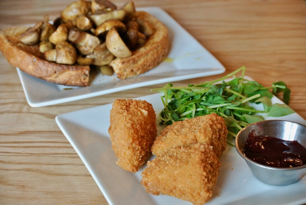 Oldbury Cookhouse and Pub Deep Fried Brie and Cranberry Sauce - Christmas Menu