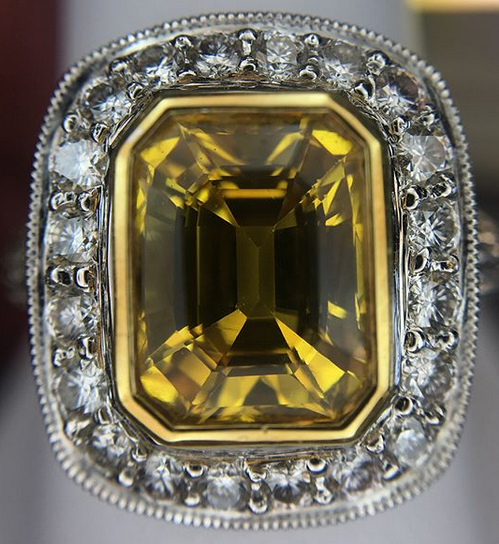 yellow diamond.png