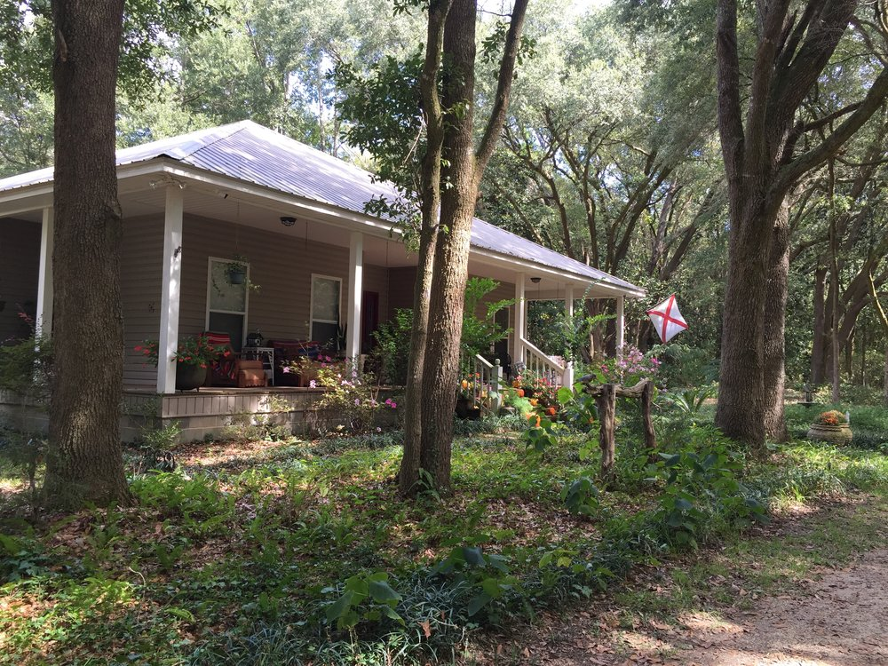 The Secluded Cottage is no longer available for rent. Betty rented it for 3 years before retiring it. This 3 bedroom, 2 bath listing averaged $20,000 a year in bookings.