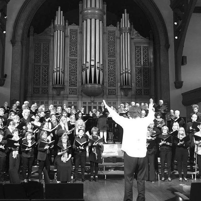 Maestro Gutiérrez returns February for OFA 2018. #opera #choir