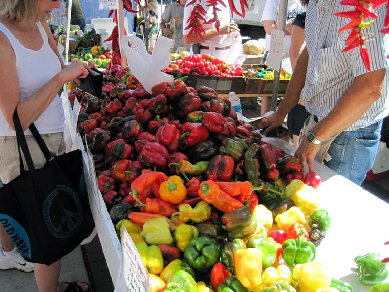 dane-county-farmers-market-madison-wisconsin-bell-peppers.jpg
