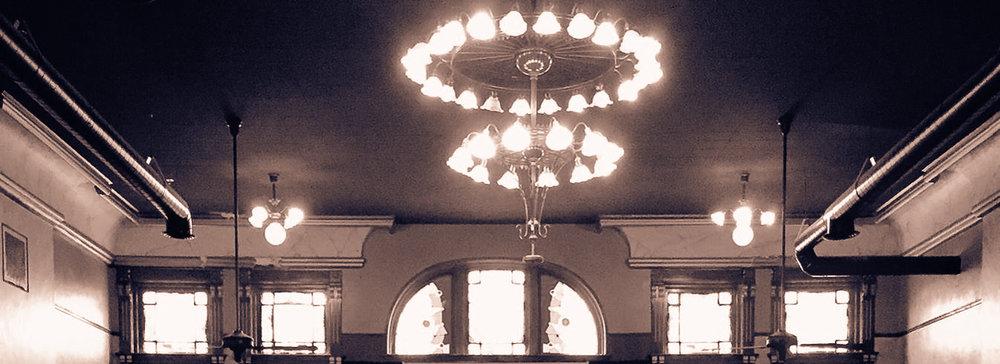 AlgomaClub-chandelier.jpg