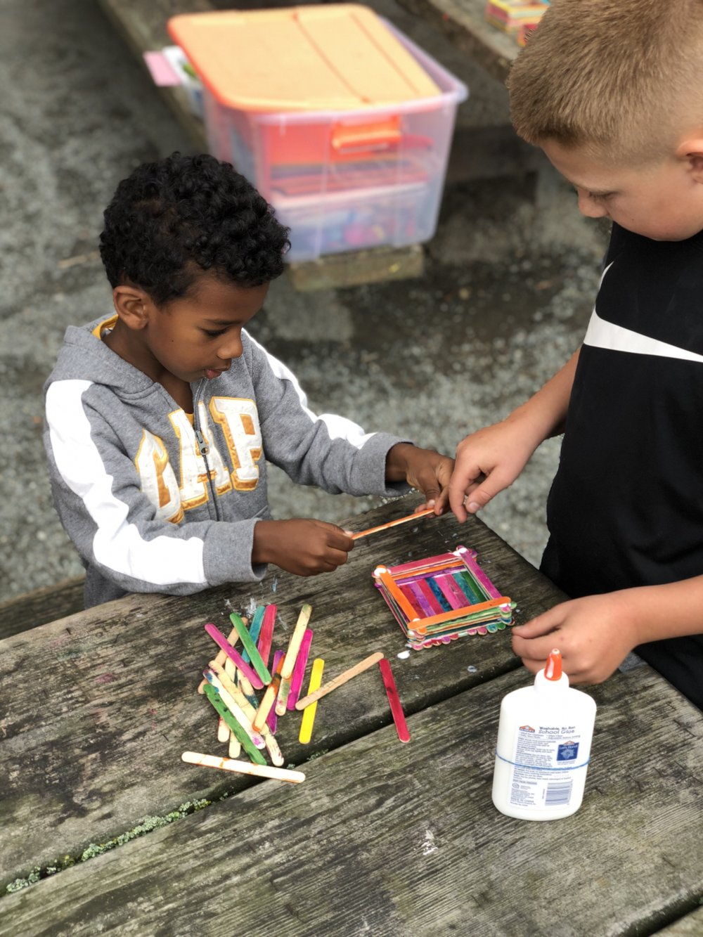 ARTS - DAILY ART PROJECTS THAT NURTURE CREATIVITY THROUGH PAINTING, BUILDING AND MAKING PRACTICAL PROJECTS LIKE TREASURE BOXES, CLOCKS AND MUCH MORE!