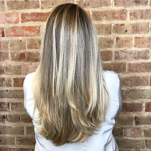 "There is no ""one size fits all"" when it comes to my blonde clients, and creating a custom color plan for each client is what makes me excited to be a colorist!  This look is dimensional, effortless, and most important BRIGHT. ☀️🙋🏼‍♀️"